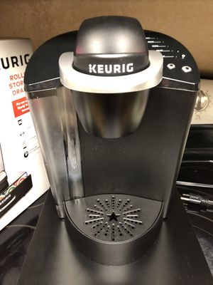 BRAND NEW KEURIG COFFEE KIT WITH STORAGE for Sale in Manteca, CA