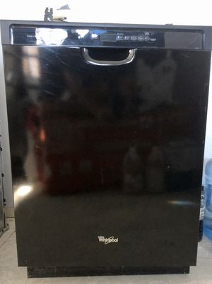 Whirlpool Gold Series dishwasher like new for Sale in La Verne, CA