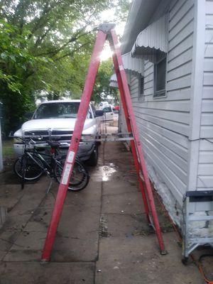 7 1/2 fiberglass ladder for Sale in Wichita, KS