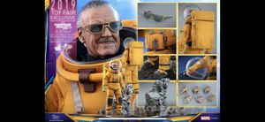 Hot Toys 1/6 Marvel Stan Lee Exclusive Figure for Sale in West Covina, CA