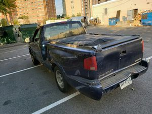98 Chevy S10 call or text cliff at 202-705-7500 for Sale in Washington, DC