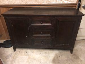 Dresser / Tv stand / wardrobe for Sale in Miami, FL