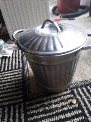 Small Metal Trash Can for Sale in Portland, OR