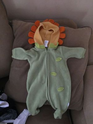 Flower Costume infant size 3 month for Sale in Atlanta, GA