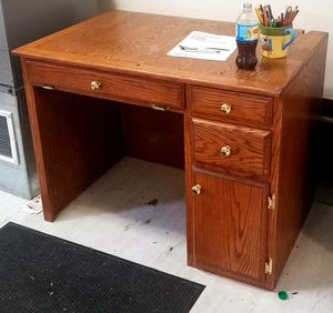Computer desk for Sale in Linn, MO