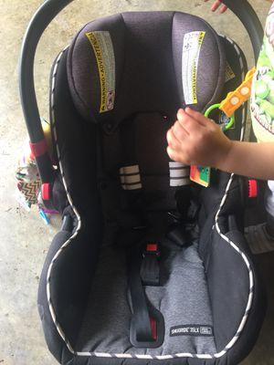 Graco snugride 35x infant car seat for Sale in Carbondale, IL