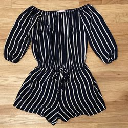 A'GACI Off Shoulder Romper Size Small for Sale in Boise,  ID