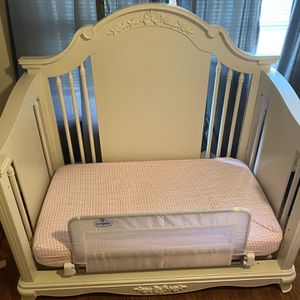 Crib for Sale in Greenwich, CT