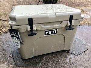Yeti cooler tundra 35 for Sale in Phoenix, AZ