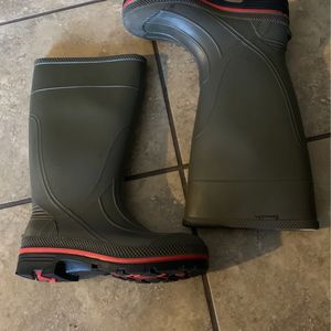 Water Boots Made In USA Size 5new for Sale in Los Angeles, CA