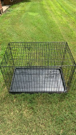 Medium used dog crate for Sale in NC, US