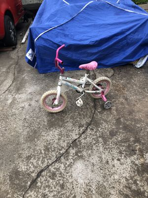 Girls little bike for Sale in Fresno, CA