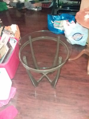 Glass top table, brandless for Sale in Glendale, AZ