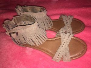 Minnetonka fringe sandals for Sale in US