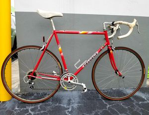 Beautiful Vintage Peugeot Nice Road Bike. Shimano 105, Frame size : 59cm. Good Condition for Sale in Plantation, FL