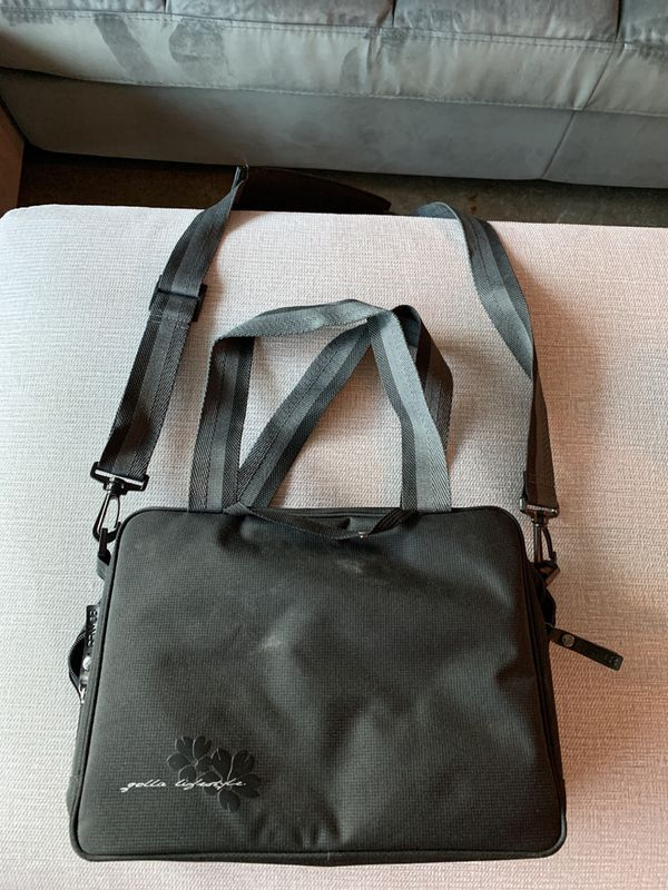 Golla brand camera bag with cushioned interior- lightly used