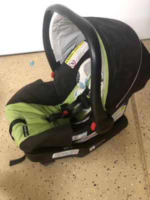 Graco click connect infant car seat for Sale in Chandler, AZ