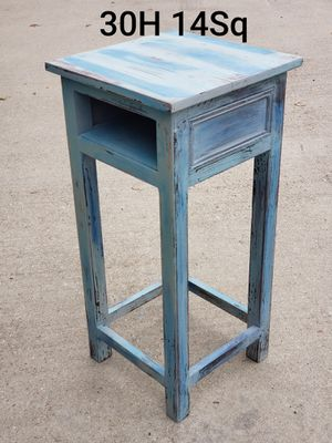 Side table for Sale in Katy, TX
