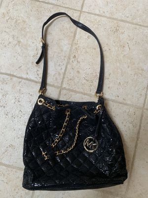 Micheal Kors Black Sequin bucket bag crossbody or tote. for Sale in Mundelein, IL