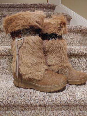 New Women's Size 9- 10 Bearpaw Boots (Retail $256-$430) for Sale in Woodbridge, VA