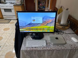 Mac mini with 23inch monitor and keyboard and mouse for Sale in Chicago, IL