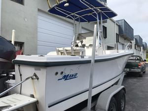 Mako 22ft by 10inches for Sale in Miami, FL