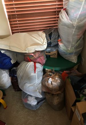 Around 20 bags of kids clothes, teenage clothes, and adult women's clothes for Sale in Navarre, FL