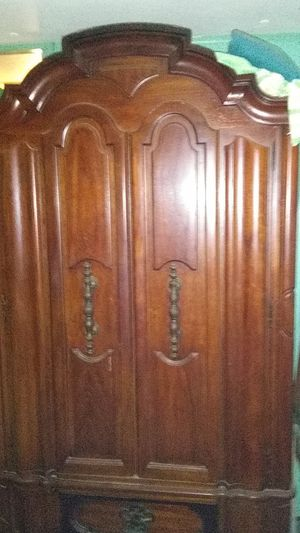Mahogany wardrobe and dresser antiques in excellent condition. Also have ned and 2 night stands for 125.00 more for Sale in Taylors, SC