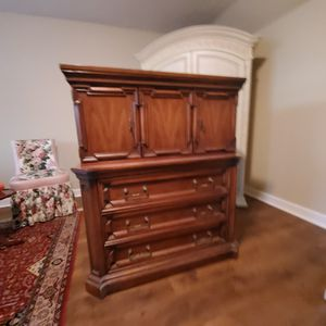 ANTIQUE DRESSER for Sale in Auburn, CA