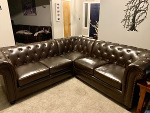 Tufted sectional for Sale in Sumner, WA