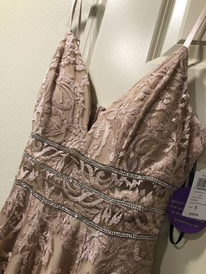 New Beautiful Mauve color dress beautiful for a wedding,XV or whatever the occasion is you will look stunning size 5 for Sale in Corona, CA
