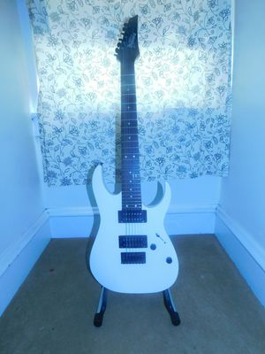 Fender Starcaster 4-string electric J Bass & Ibanez Gio 7-string electric guitar for Sale in Reading, PA