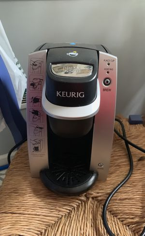 Basic keurig with kcup holder for Sale in Columbus, OH