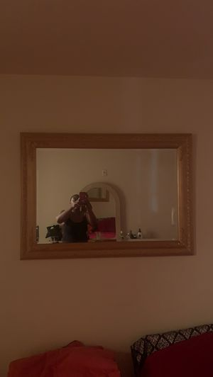 Xl wall mirror excellent condition with frame for Sale in Las Vegas, NV