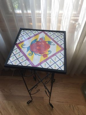 Plant holder table for Sale in Downers Grove, IL