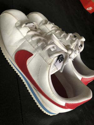 White Cortez shoes youth size 5 for Sale in Diamond Bar, CA
