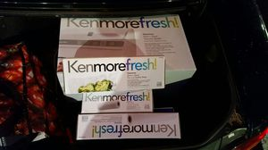 Kenmoore fresh vacuum sealer w 3 extra boxes of bags (brand new) for Sale in Woodinville, WA