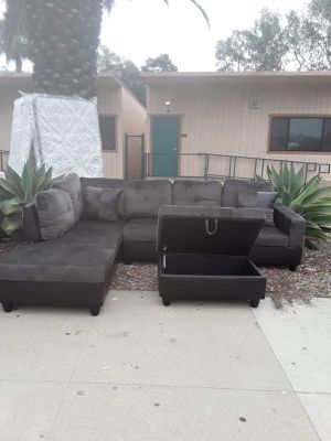 Sofa sectional for Sale in Los Angeles, CA