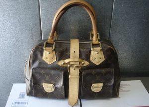Authentic Louis Vuitton Monogram Manhattan GM Hand Bag for Sale in San Diego, CA