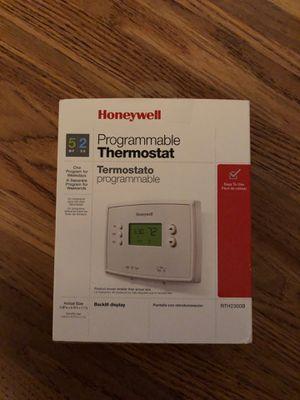 Honeywell programmable thermostat for Sale in Fresno, CA