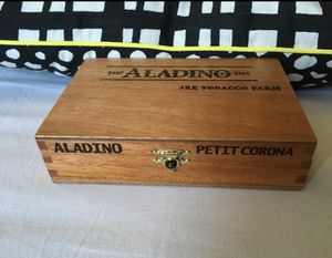 ALADINO WOODEN CIGAR WITH GOLD HINGES for Sale in Orange, CA