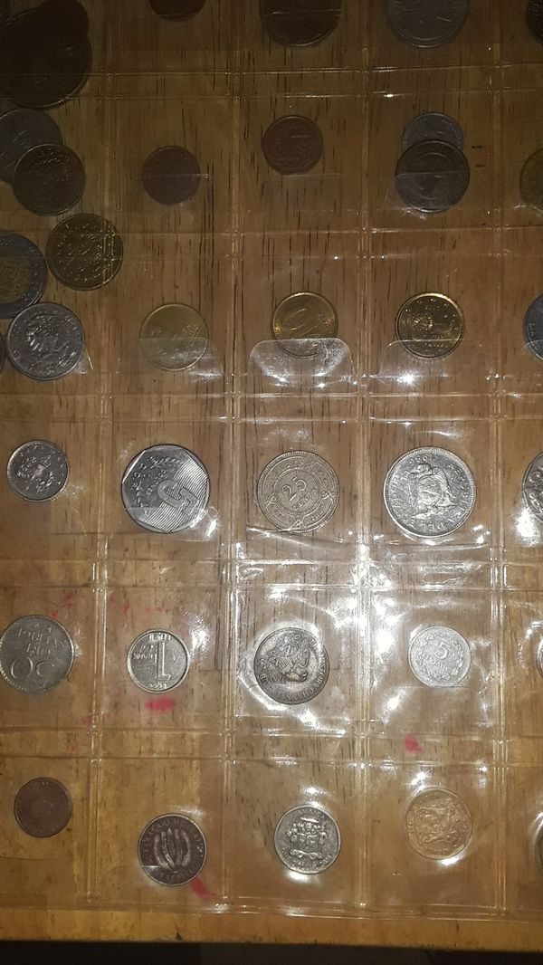 World colecting coins arround 400 coins