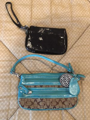 Wristlet clutches for Sale in Countryside, IL