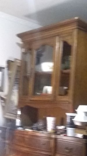 Antique China cabinet for Sale in Dallas, TX