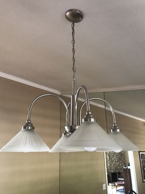 3 lights and 4 light chandelier for Sale in Upland, CA