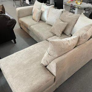 Sectional Elegance Velvet With All Pillows for Sale in Lilburn, GA