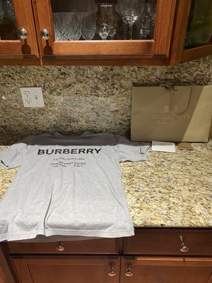 burberry shirt for Sale in Carol Stream, IL