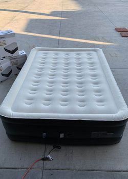Brand new in box AirExpect Top 10 air mattress queen size bed with built-in pump 660lbs capacity leak proof inflatable 5 minutes inflate deflate for Sale in Whittier,  CA