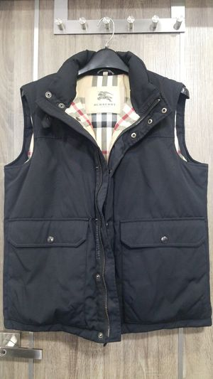 Mens Burberry Vest Size L for Sale in San Diego, CA