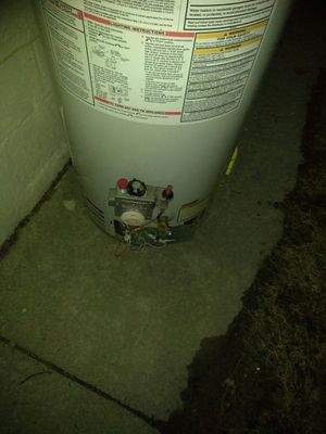 Hot water heater for Sale in Royal Oak, MI
